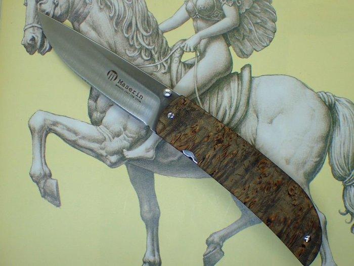 全新收藏用義大利名刀Maserin(Atti 389 line)綠樹瘤木柄紳士折刀名匠Attilio Morotti設計