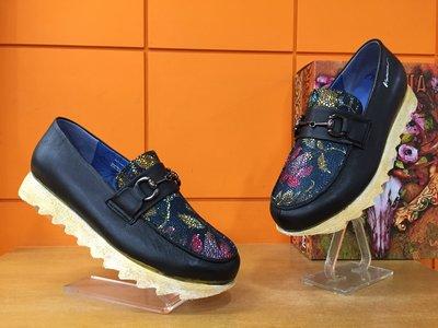 【阿典鞋店】**男鞋**Macanna**麥坎納專櫃~~美迪亞3系列~全特殊黃牛皮手工製鞋面鬆糕鞋4200