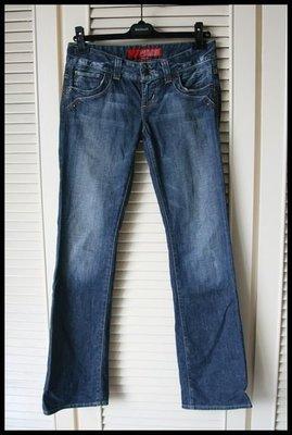2999元起標【GUESS】JEANS美國購回立體刷色男低腰直筒靴型褲牛仔褲31