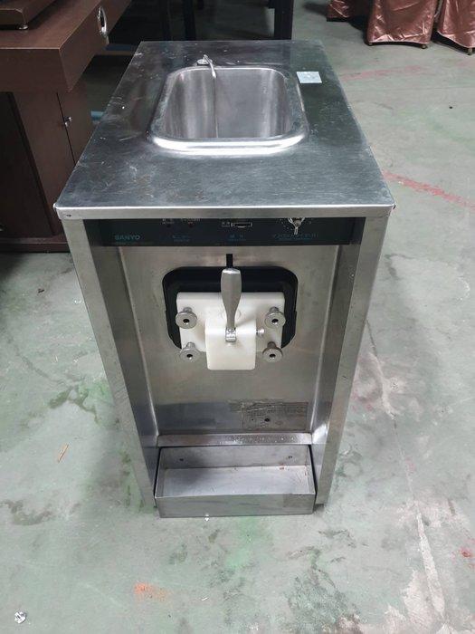 二手家具全省估價(大台北冠均 泰山店)二手貨中心--日本進口三洋單管霜淇淋機 一管霜淇淋機 Z-061408