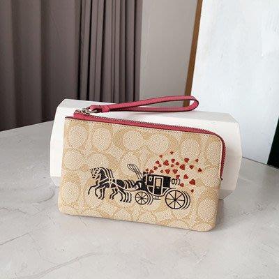 【八妹精品】COACH 91075 新款女士愛心牛皮手拿包 拉鏈零錢包手腕包 錢包  手拿包