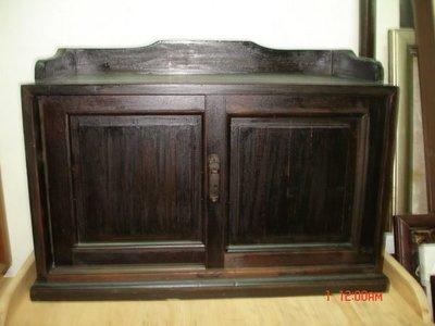 典藏一支光復初期純檜木製作的小置務櫃~~厚實大方