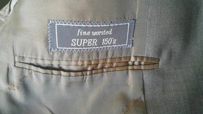 罕見美品 歐碼50 原價十九萬 salvatore ferragamo super 150鐵灰單排牛角釦全套西裝