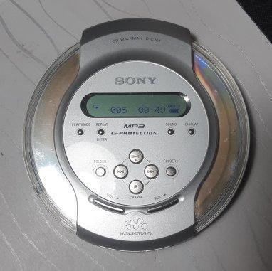 Sony CD Walkman D-CJ01 隨身聽 MP3