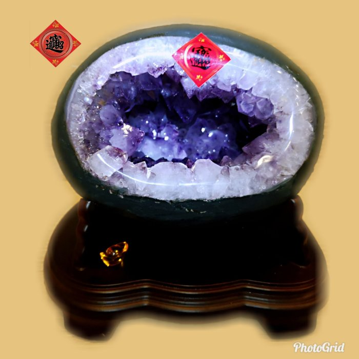 ?【168 精品】? 巴西頂級紫晶洞重9.8kg 寬23cm高23cm 洞深14cm.大角紫洞【C79】