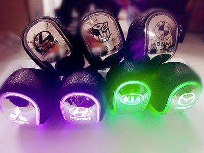 (通用)汽車排檔頭 改裝 七彩 LED感應 發光  BMW 馬自達 TOYOTA 三菱 現代 LEXUS