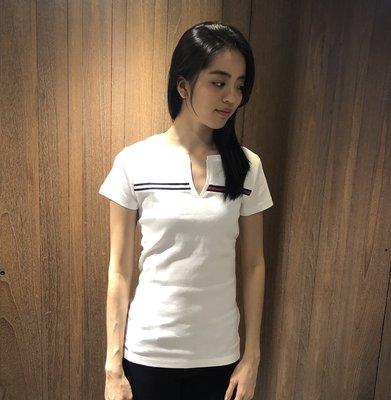 美國百分百【Tommy Hilfiger】T恤 TH 女款 上衣 V領 棉T 開襟 T-shirt 短袖 白色 H220