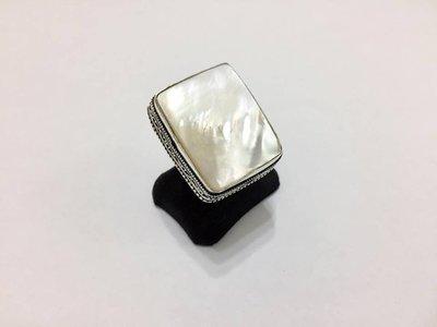 【Texture & Nobleness 低調與奢華】天然無處理 低調原創珠寶白蝶貝珠光戒指 純銀SV925