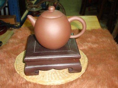 典藏一隻朱紫段泥壺,收藏至今已有20個年頭囉!