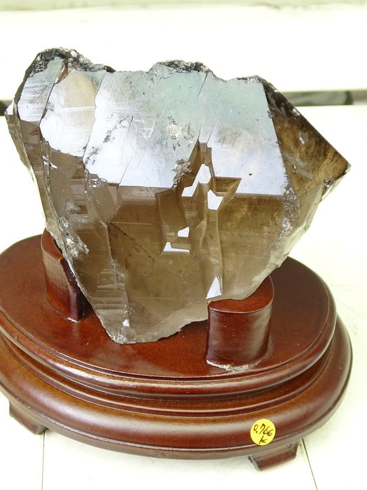 ~shalin-crystal~巴西黃水晶骨幹~0.766公斤~晶質清透~質地超優~低價起標!