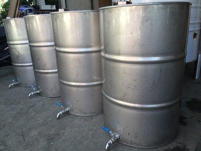 200公升白鐵油桶加排水閥、50加侖油桶、工業風油桶、儲存桶、沙拉油桶、白鐵桶、不銹鋼桶、儲油桶、儲水桶、儲酒桶、汽油桶