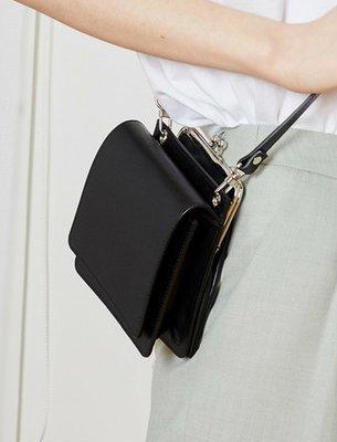 SeyeS   街頭簡約隨興時尚感磁扣翻蓋珠扣包
