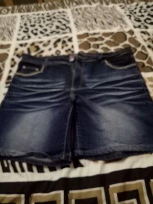 牛仔短褲CUTTLE JEANS SIDE. . 3L 腰18臀20.5檔11長17大腿11圖3顏色正確ˇ(櫃2)