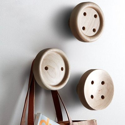 北歐 鈕扣造型 楓木實木 創意壁掛 衣掛 掛鉤 衣服 包包 掛勾 衣架 衣帽架 衣帽勾