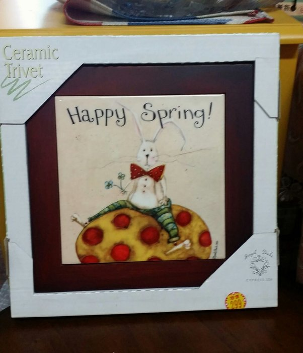 美生活館--- 全新 鄉村 工業 LOFT 風格 木加磁磚 隔熱墊 掛畫 掛飾 餐廳 民宿 店面--快樂春天彩蛋兔