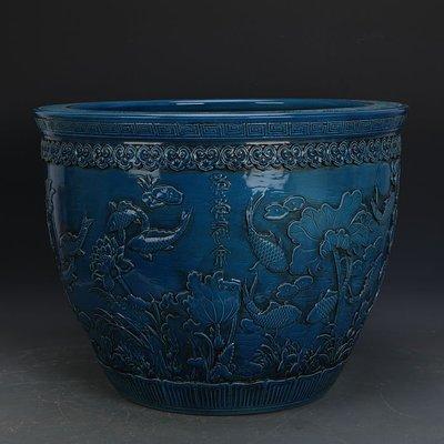 ㊣姥姥的寶藏㊣ 大清乾隆藍釉雕刻浮雕年年有餘瓷缸  官窯古瓷器古玩古董收藏擺件