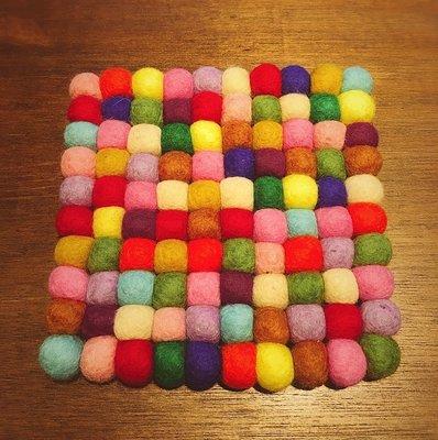 Sugar Korea100% 尼泊爾羊毛氈彩色球球圓形方形露營野餐墊 鍋墊 桌墊 隔熱墊 20cm 大款 現貨