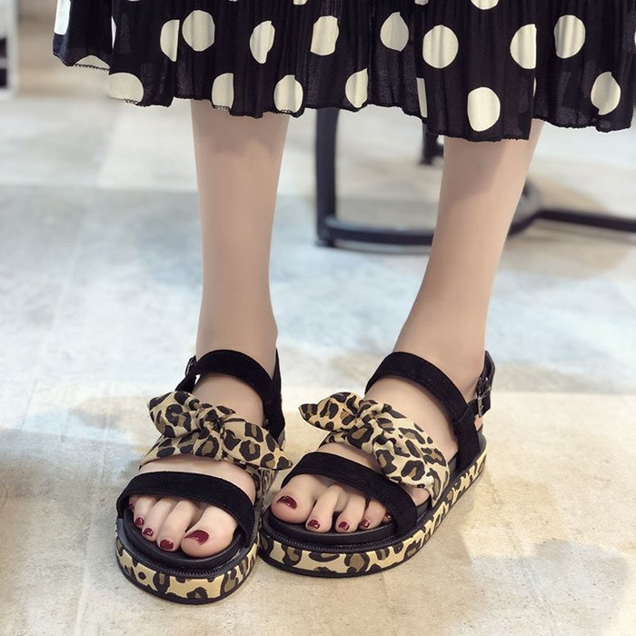 爆款--新款夏季一字帶涼鞋女仙女風坡跟厚底豹紋時尚休閑學生羅馬鞋#鞋子#涼鞋#百搭#時尚