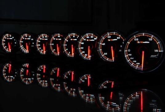 DJD19052348 SHADOW 賽車錶/三環錶 PRO3 - 轉速錶 60mm 透明黑底錶面  歡迎洽詢
