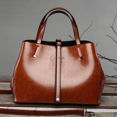EmmaShop艾購物-正韓獨家單品油蠟皮革大容量托特包/非後背包水桶包/可搭外套/流蘇包/空氣包公事包把手方包