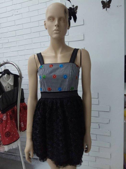 娃娃203M黑色洋裝特價1800含運費