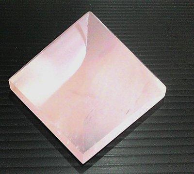 □§Disk的天然水晶§□【神秘力量】冰種星光粉晶金字塔(45x45x39mm92g)HV-39~滿千9折+超取免運