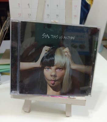 0725 2手CD 不露臉天后 希雅 Sia 超有戲This Is Acting 收錄為愛黛兒、蕾哈娜創作之未被收錄曲目