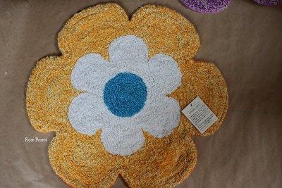 Rose Forest 薔薇森林~~ 日本進口 pea pod 印度製 花朵造型地墊 小型地毯 二色可選