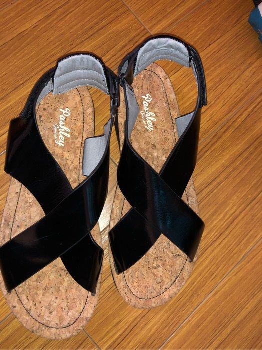 秒殺!!!!!國外帶回超時尚涼鞋size:39