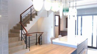 日式扁鐵樓梯扶手 +  南美柚木