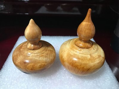 檜木聚寶盆 檜木鳳尾閃花瘤瓶 天雕 精品等級 二個一組 優惠價 三義車工
