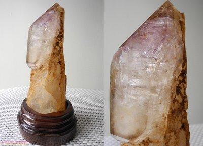 [火星喵晶礦屋]特殊奇石彩虹權杖水晶柱~三輪骨幹權杖水晶(紫茶白三色骨幹水晶)/溶蝕水晶(造型獨特!)