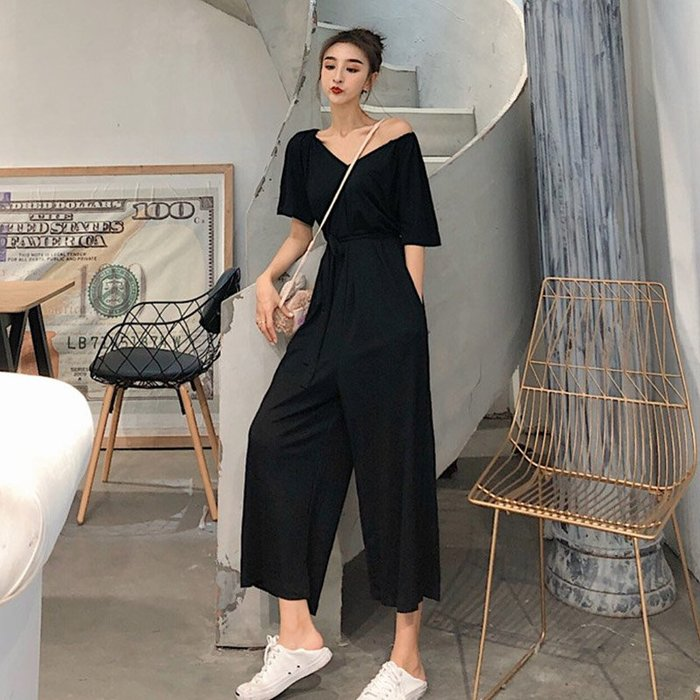 新款韩版小清新百搭复古chic港风V领气质时尚显瘦显高腰带连体裤