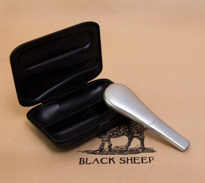 黑羊選物 隨身菸斗 pipe 磁性吸附不易掉落 飛行神器 趣味小物 方便攜帶 煙斗 捲煙用品 paper raw 捲菸