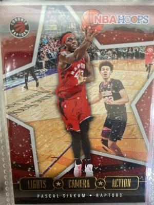 Pascal Siakam 2020-21 NBA Hoops Holiday Lights Aamera Action 特卡 球員卡 球卡 籃球卡 暴龍