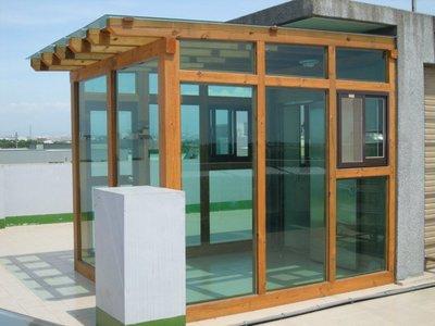 頂樓。玄關。南方松。玻璃屋。採光、防水、遮陽、隔熱、採光罩  工程【園匠工坊】免費到府估價