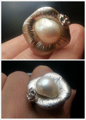 【【山玉軒】】韓國設計師款~頂級純白~【【淡水珍珠花朵戒指】】下標即售