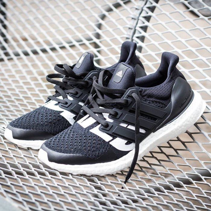the latest 3d830 d0e62 【Cheers】 UNDEFEATED x Adidas Ultra Boost 黑白 B22480 UNDFTD聯名鞋-Yahoo奇摩拍賣