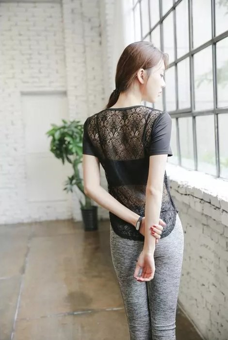 【滿599免運】韓國 鏤空上衣 V領性感美背 蕾絲簍空 運動 健身罩衫 短袖衣服 短袖T恤 瑜珈