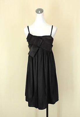 貞新二手衣 b.shoppe 專櫃 黑色平口細肩帶緞面洋裝F號(34909)