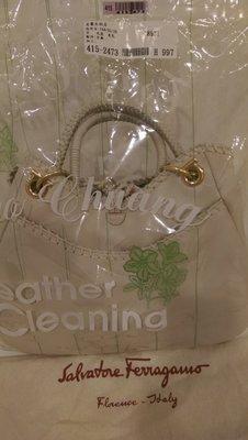 二手名牌精品-Salvatore Ferragamo 白色牛皮手提包,大包包,誠可議價面交