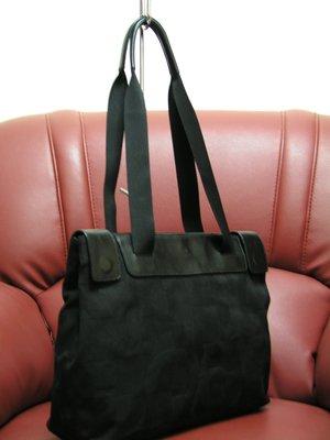 (正品出清)德國名牌AIGNER(愛格納)男女皆適用的背包*純樸二手精品