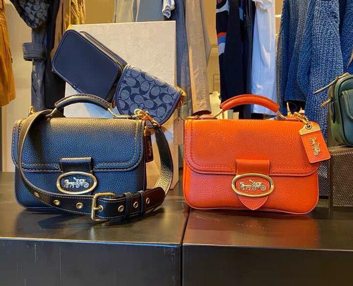 小皮美國代購 COACH 3625 新款女士Reily風琴包 純色金屬logo翻蓋手提包 單肩斜挎包 附購證