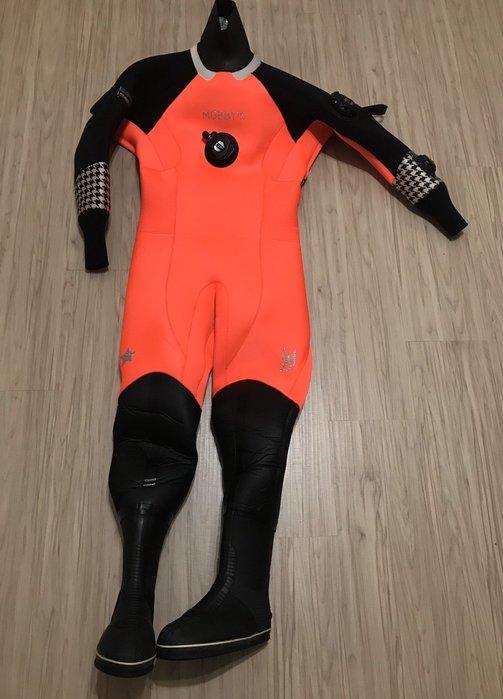 Mobbys 3.5mm 潛水 螢光橘 乾式防寒衣 近全新 156-163cm 55-65kg