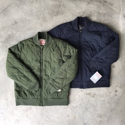 【 WEARCOME 】LEVIS QUILTED BOMBER JACKET 衍縫 軍事 飛行夾克/綠、藍