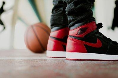 Nike Air Jordan 1 Retro High OG Banned喬丹555088-001黑紅AJ1禁穿一代