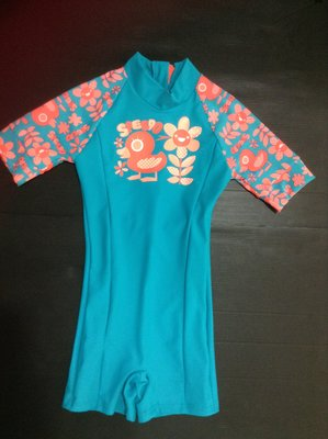 SPEEDO 兒童全身包覆式短袖防曬衣 抗UV 50+  連身泳衣 尺寸:3身高:100cm