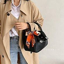 台灣 VENUSKISS包包 時尚優雅多造型絲巾飾手提斜揹Lindy包(小號) 斜背包/4款/VKS410 預購