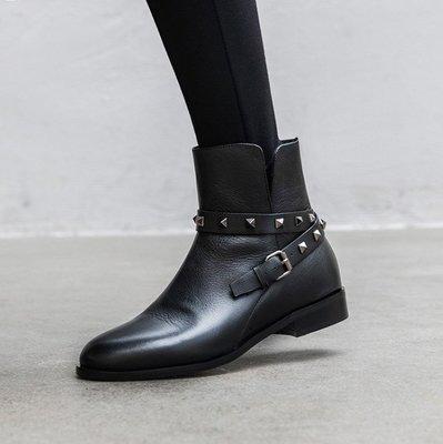 Fashion*短靴~英倫風鉚釘低跟時...