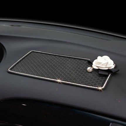 小香/山茶花汽車防滑墊鑲鑽大號車載手機防滑貼車用擺件香水置物墊